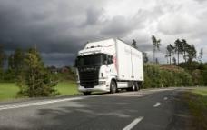 卡车Scania R550图片