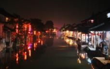 水乡夜景图片