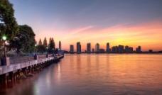 黄昏海滨景色图片