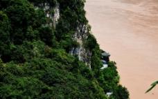 西陵的江岸图片