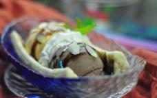香蕉船冰淇淋图片