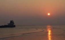 海上朝阳图片