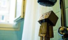 盒子先生在洗澡图片