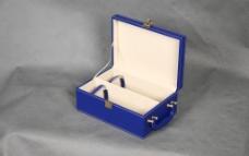 高档蓝色皮制酒外包装礼品盒图片