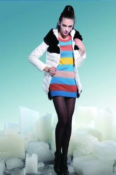 时尚女式羽绒服图片