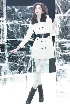服装模特白色服饰图片