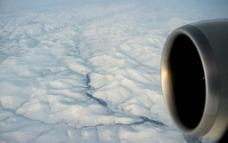 飞越雪原图片