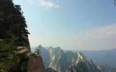 美丽的山间景色图片