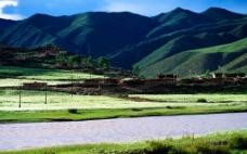 高山村庄图片