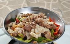 干锅牛肉煲图片