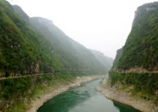 青山绿水大峡谷图片